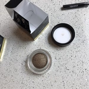 CHANEL Makeup - Chanel illusion d'ombre long wear eyeshadow